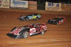(5-6-2016) Jason Cardwell #07 - Trevor Sise #73 - Barrett Lowe #72 (Volunteer Speedway)
